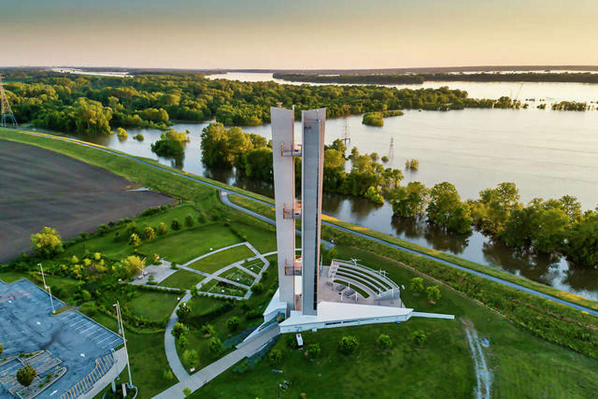 Confluence Tower: The Lewis and Clark Confluence Tower in Hartford, located south of Alton, gives visitors a high overlook of the confluence of the Mississippi and Missouri rivers. Looking westward one can see similar terrain and the mass amounts of land that laid ahead for the famous expedition westward.