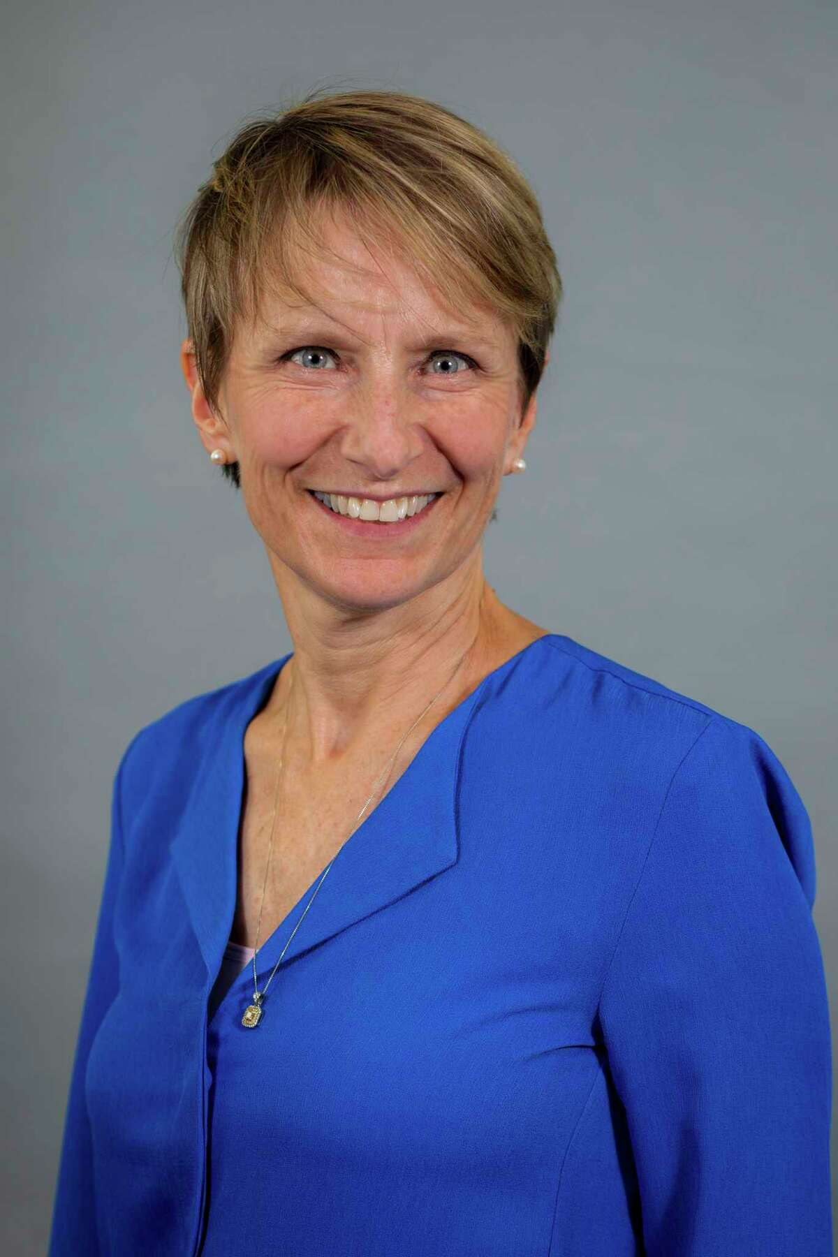 Dawn Cantafio, Trumbull Town Council chairwoman