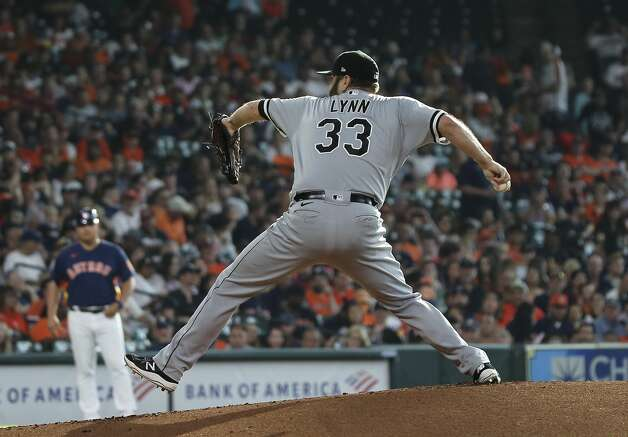 Chicago White Sox starting pitcher Lance Lynn (33) pitches during the bottom first inning of the MLB game against the Houston Astros Saturday, June 19, 2021, at Minute Maid Park in Houston. Photo: Yi-Chin Lee/Staff Photographer / © 2021 Houston Chronicle