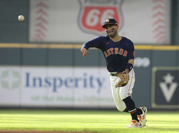 Houston Astros second baseman Jose Altuve (27) throws to first base during the top first inning of the MLB game against the Chicago White Sox Saturday, June 19, 2021, at Minute Maid Park in Houston. Photo: Yi-Chin Lee/Staff Photographer / © 2021 Houston Chronicle