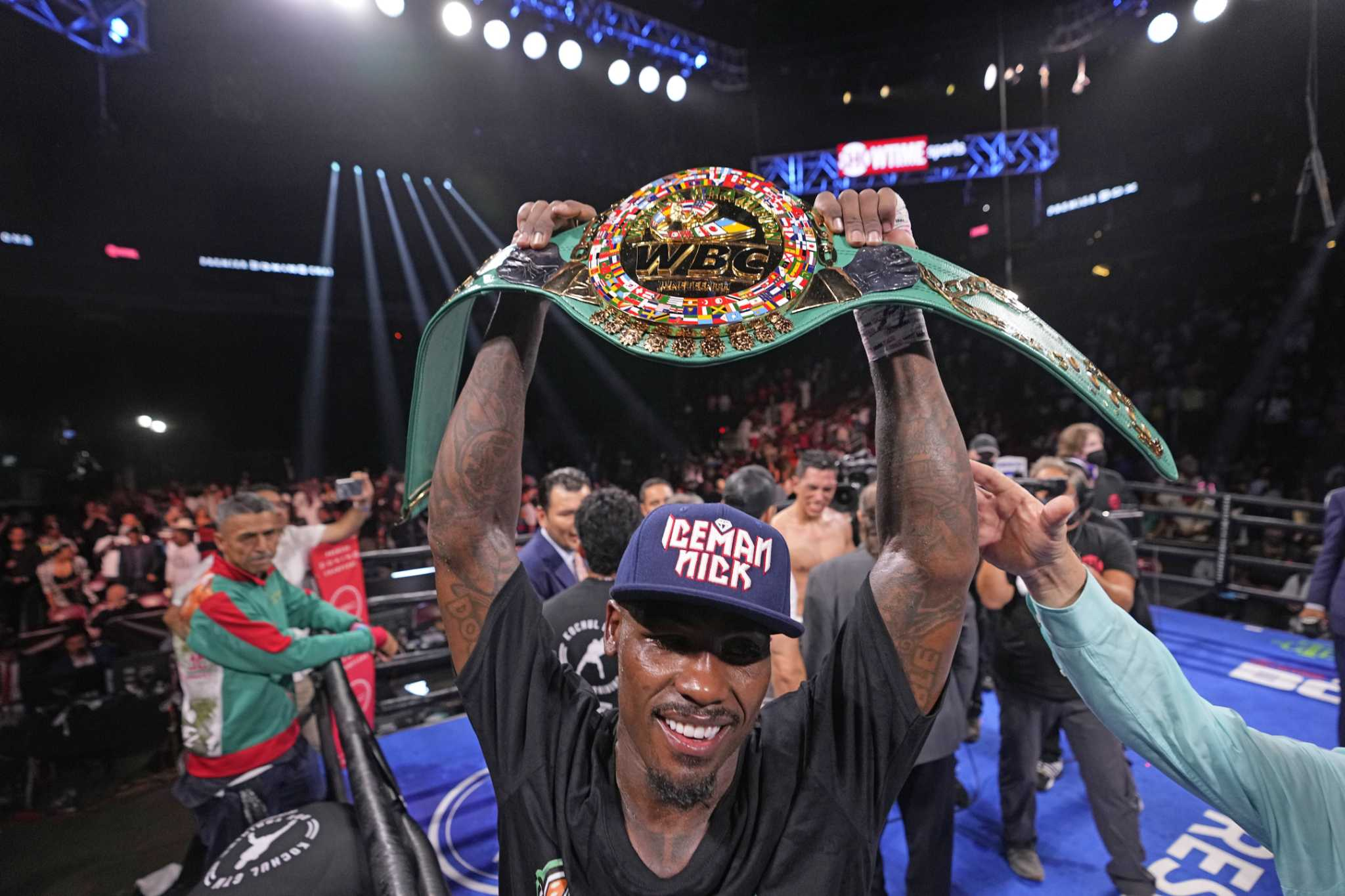 Fresh off thrilling win, Jermall Charlo has unification on his mind