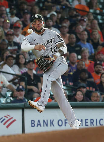 Chicago White Sox third baseman Yoan Moncada (10) throws to first base during the bottom first inning of the MLB game against the Houston Astros Saturday, June 19, 2021, at Minute Maid Park in Houston. Photo: Yi-Chin Lee/Staff Photographer / © 2021 Houston Chronicle