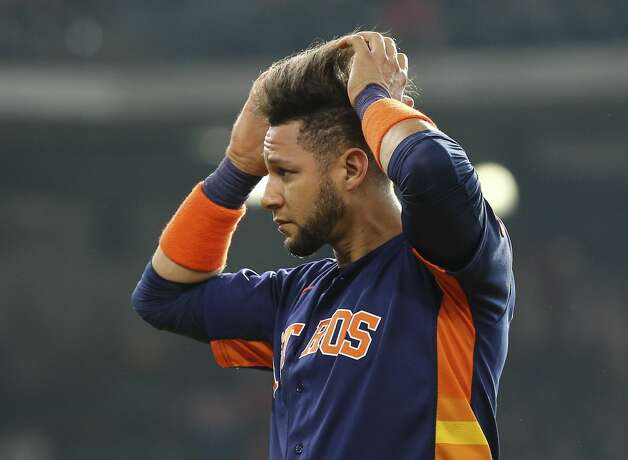 Houston Astros first baseman Yuli Gurriel (10) fixes his hair between first inning of the MLB game against the Chicago White Sox Saturday, June 19, 2021, at Minute Maid Park in Houston. Photo: Yi-Chin Lee/Staff Photographer / © 2021 Houston Chronicle