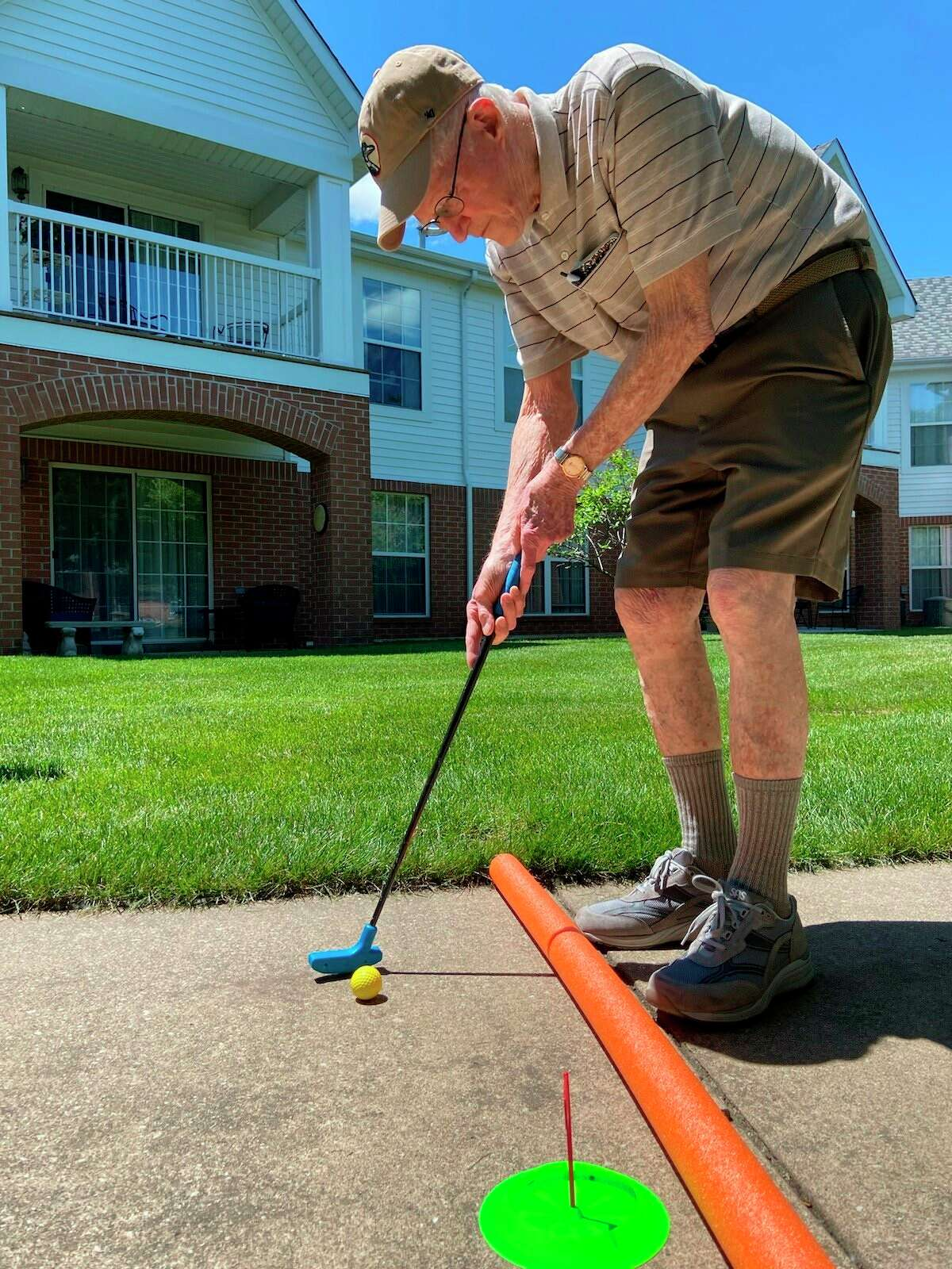 Independence Village of Midland residents enjoyed playing putt-putt indoors and outside on June 16. (Photo provided/Independence Village)