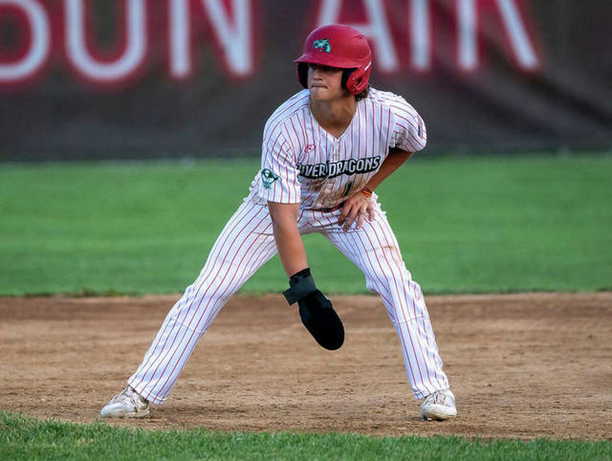 Clayton Dean of the Alton River Dragons had two hits, an RBI and score a run Saturday night in Springfield, but Alton dropped an 11-9 Prospect League decision to the sliders.