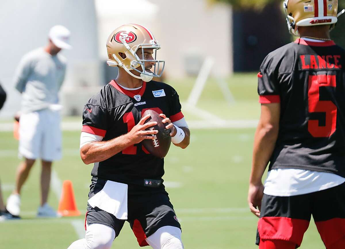 49ers quarterback Jimmy Garoppolo (10) practices at 49ers headquarters on Wednesday, June 2, 2021 in Santa Clara, Calif.