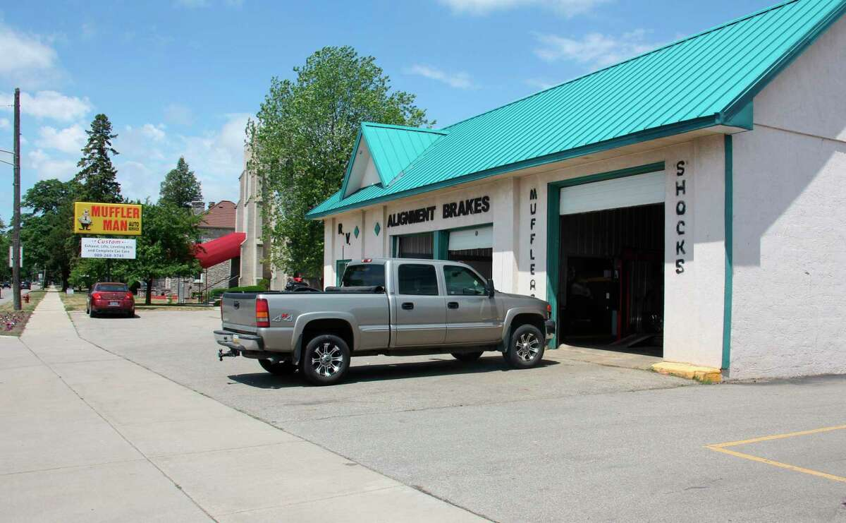 Muffler Man is an auto repair shop on W Huron Ave. (Teresa Homsi/Huron Daily Tribune)