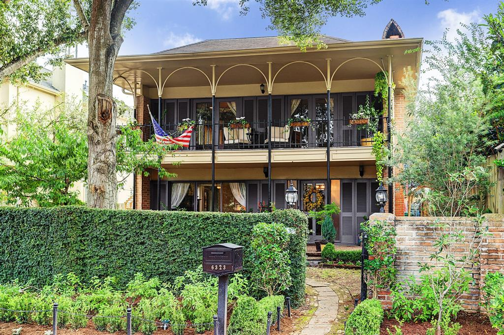 New Orleans-style home brings French Quarter vibes to Houston