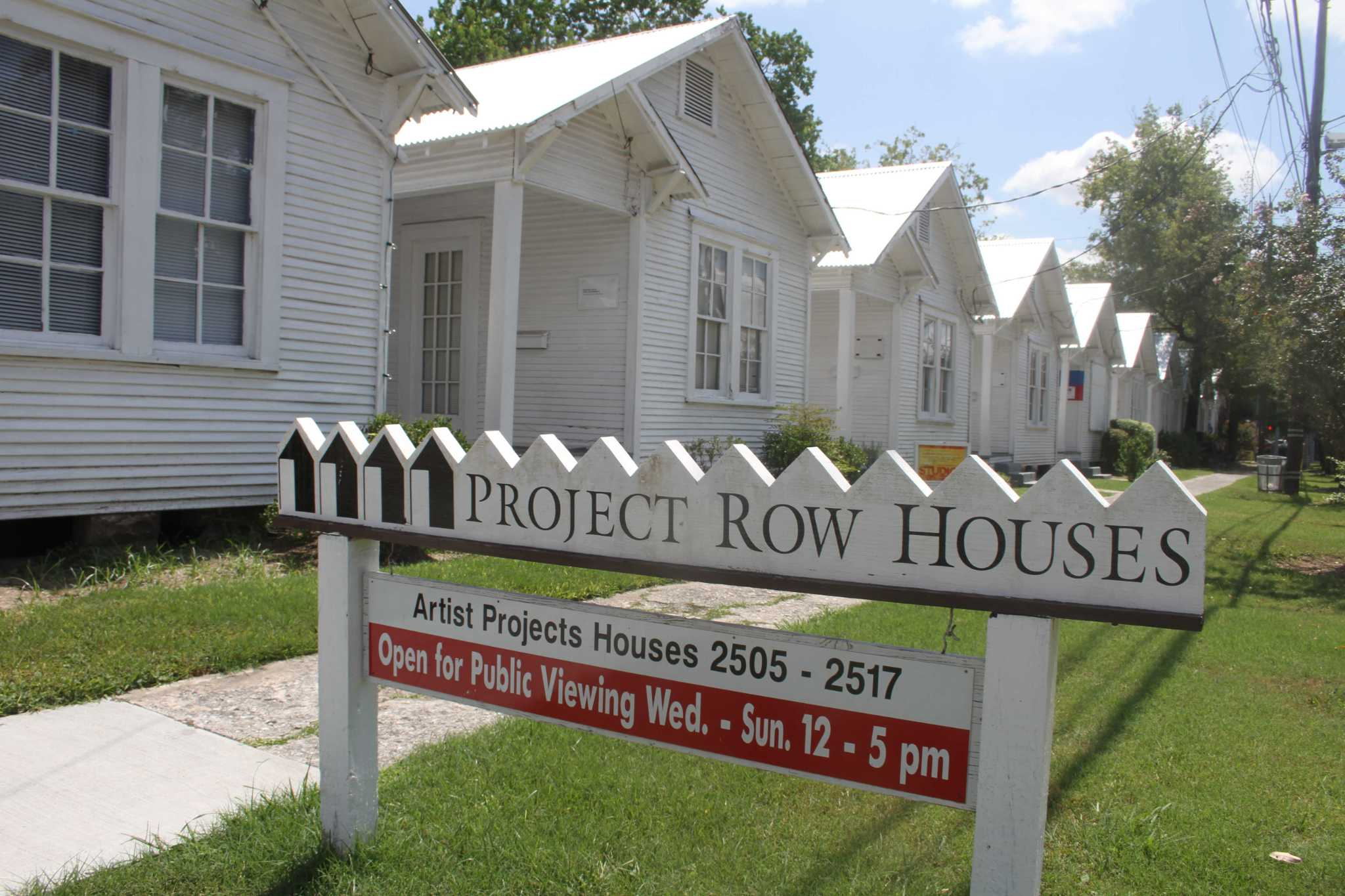 Billionaire couple donates to Project Row Houses in Third Ward