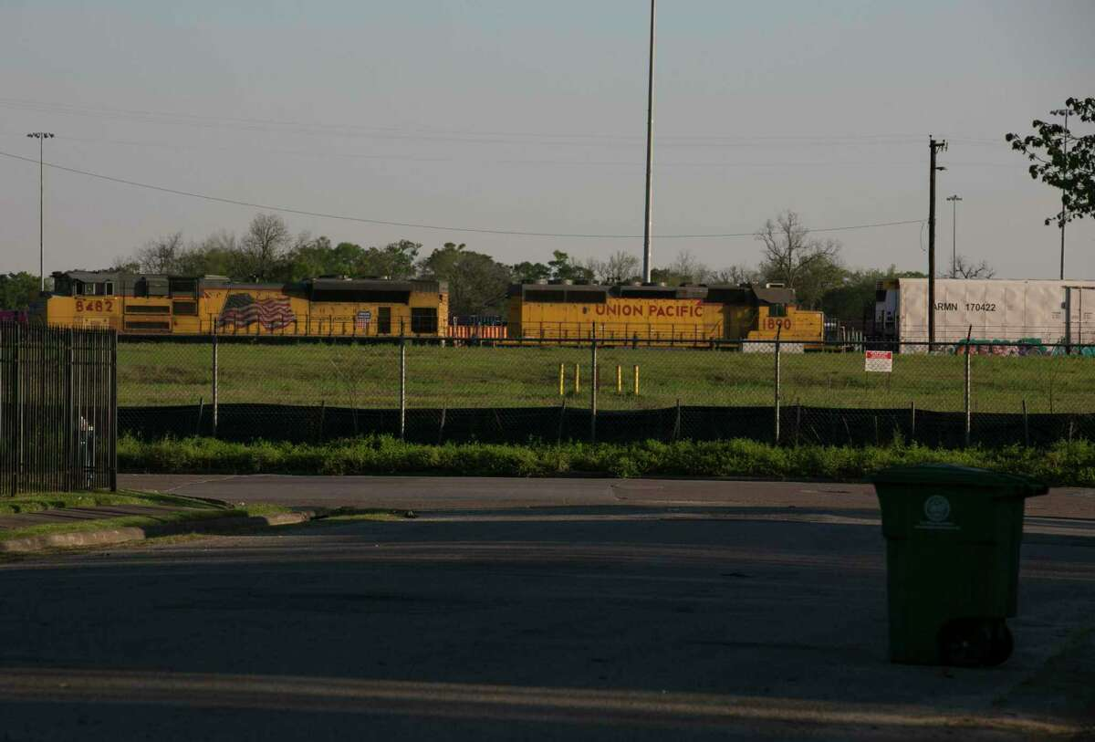 The view of a Union Pacific train going east from Lavender Street in Kashhmere Gardens neighborhood on Thursday, March 21, 2019, in Houston. Union Pacific's railroad yard had a wood treatment facility that was polluting neighborhood with creosote, a cancerous causing toxin, for decades and people did not know.