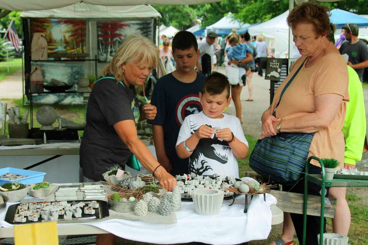 People flock to the craft show during the 2019 Arcadia Daze. This year's craft show is set for 10 a.m. to 6 p.m. on July 24 with Arcadia Daze running from July 23-25. (File photo)