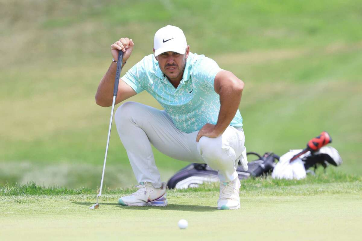 SAN DIEGO, CALIFORNIA - JUNE 20: Brooks Koepka of the United States lines up a putt on the second green during the final round of the 2021 U.S. Open at Torrey Pines Golf Course (South Course) on June 20, 2021 in San Diego, California. (Photo by Sean M. Haffey/Getty Images)