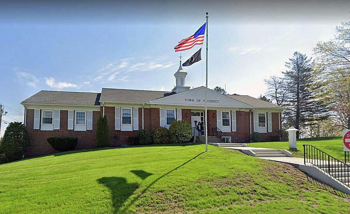 A Google Streetview screenshot of Prospect Town Hall in Prospect, Conn.
