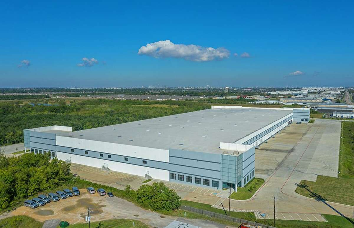 Lexington Realty Trust purchased a three building portfolio totaling 738,701 square feet near the Port of Houston, from Triten Real Estate Partners. The properties consist of Bayport North Logistics Center I and II Underwood Port Logistics Center.