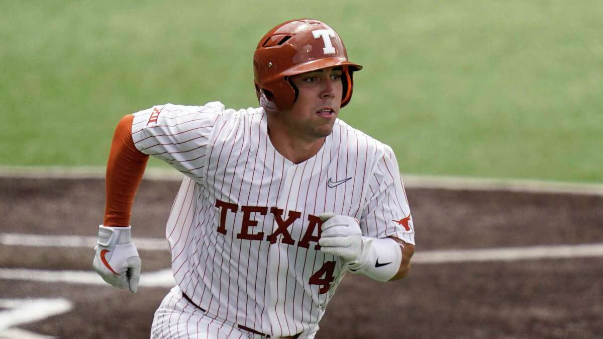 Texas catcher Silas Ardoin (4) watches a hit during Game 1 of the Austin Regional tournament against Southern on Friday, June 4, 2021.