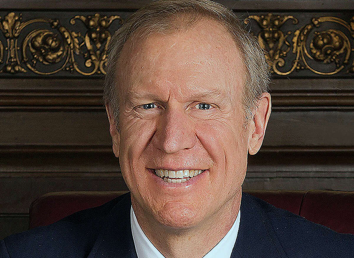 An agreement would end a federal lawsuit against the former governor and his campaign entity, Citizens for Rauner, that was brought by Peter Garvey, an Illinois resident who received three prerecorded voice mails from Bruce Rauner's campaign in 2018.