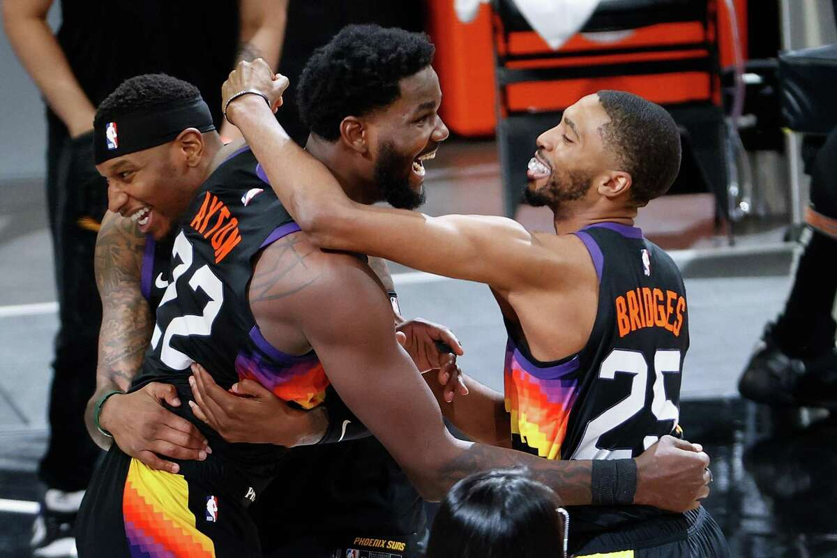 Deandre Ayton, fresh off his game-winning alley-oop in Game 2, and the Suns visit the Clippers in Game 3 at 6 p.m. Thursday (ESPN).