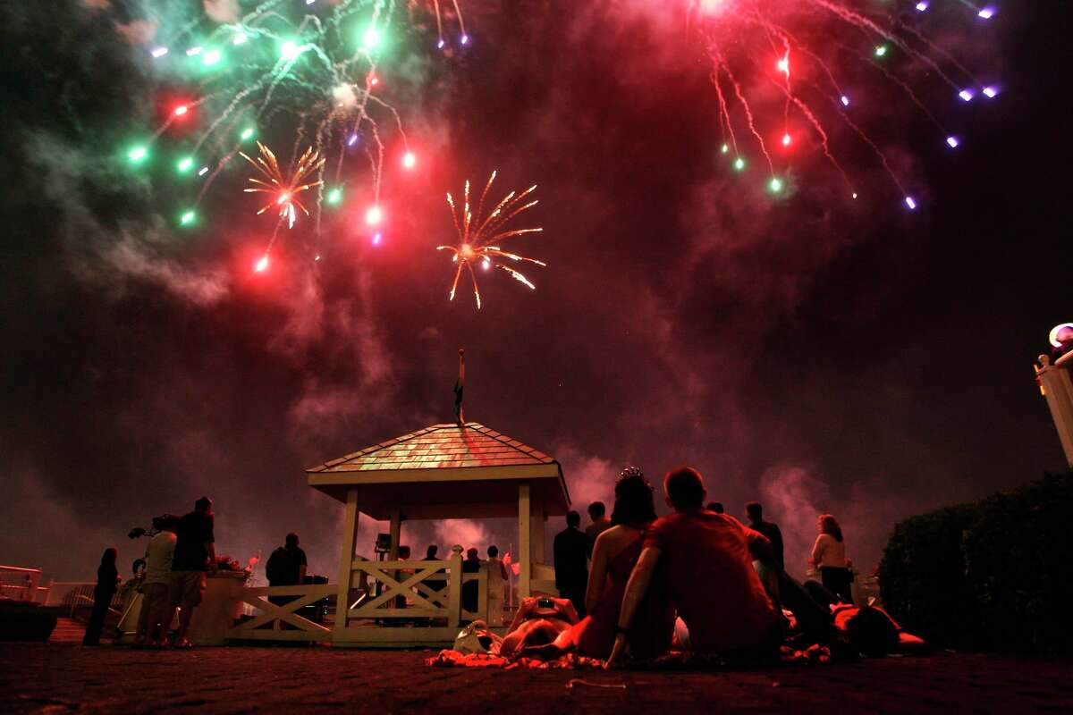 Fireworks come with risk, so it's best to enjoy professional displays. (Chris Sweda/Chicago Tribune/TNS)