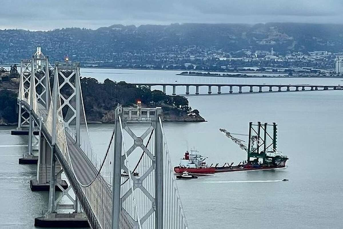 The Zhen Hua 26 carried a new, giant crane to the Port of Oakland on June 24, 2021.