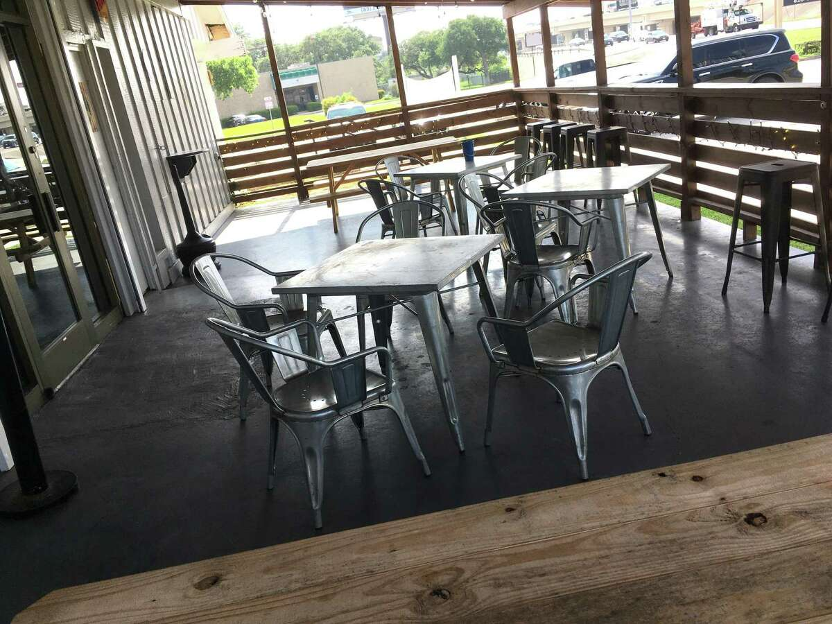 Lucky's Icehouse is a new bar on Loop 410 near Perrin Beitel Road that used to be American Legion Post 529. It features an outdoor patio, music stage and dancing space, as well as a dart room and large bar.