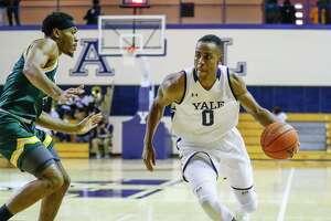 Jalen Gabbidon (0) has been re-elected as captain for the Yale men's basketball team.