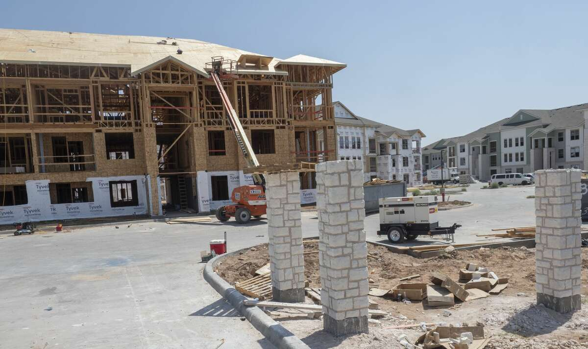 New apartment complexes are being built in Midland 06/25/2021 on opposite sides of town. With The Hudson, a US Department of Housing and Urban Development project, off Hwy 158 in west Midland. Tim Fischer/Reporter-Telegram