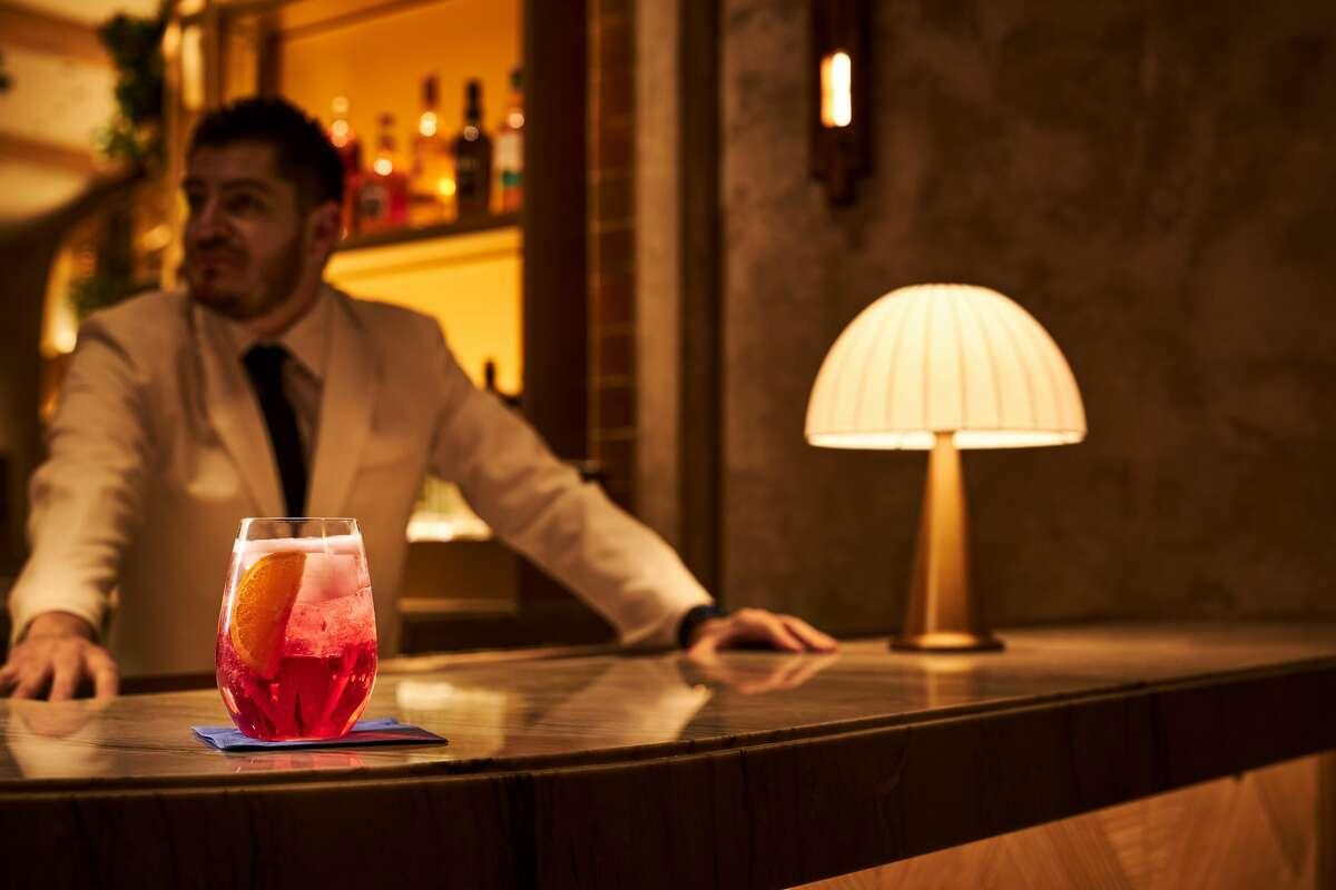 Amalfi Spritz, composto da Slim Spumante, Capability Apretivo e Soda