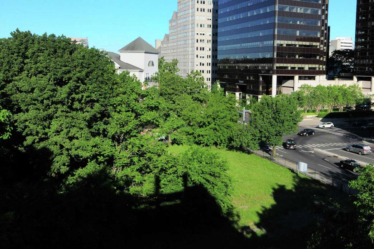 A view of the vacant property at Broad Street and Greyrock Place.in Stamford, Conn., on Friday June 18, 2021. A developer has proposed a new, 8-story building for the corner, which has been vacant for decades.