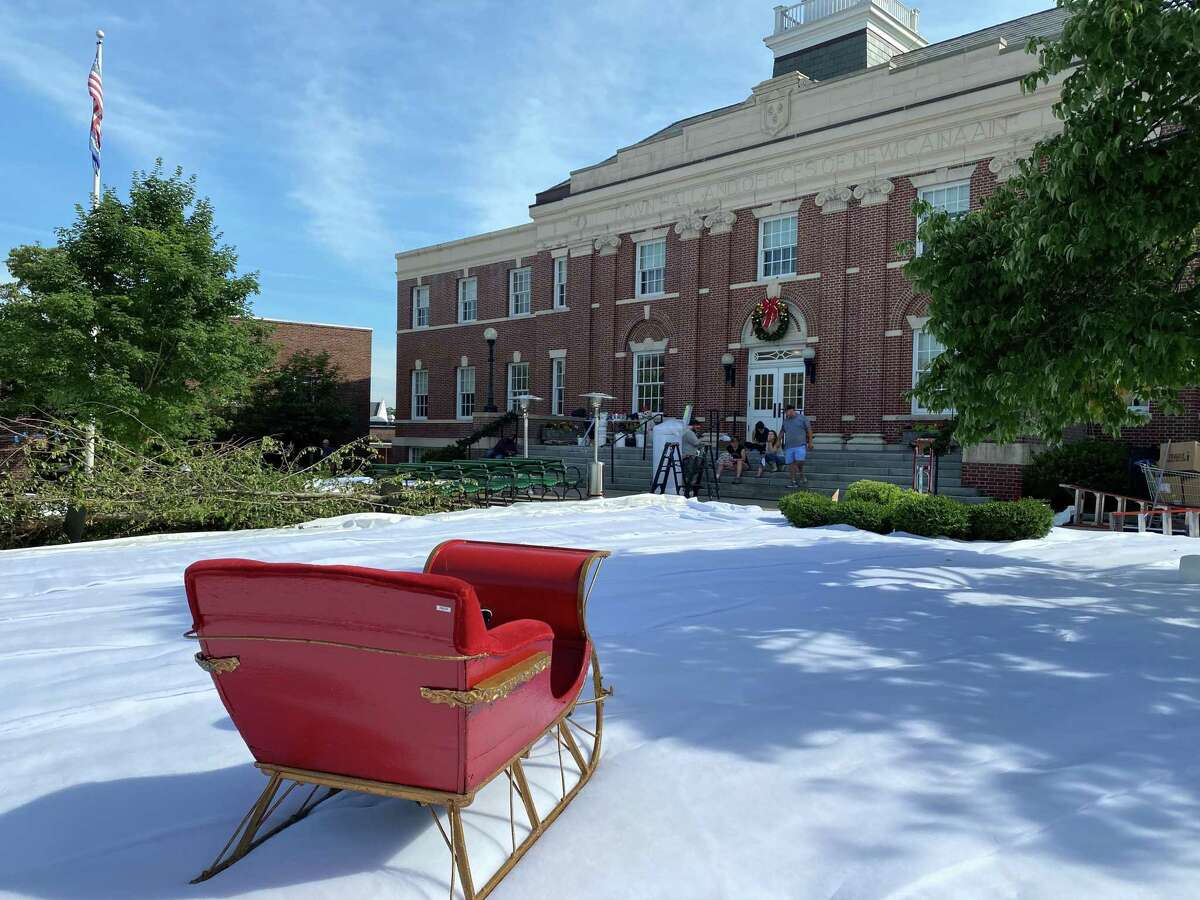 """The Netflix movie """"The Noel Diary,"""" directed by Charles Shyer of """"Father of the Bride"""" will be filmed in front of Town Hall in New Canaan and started setting up a winter scene on June 25, 2021."""