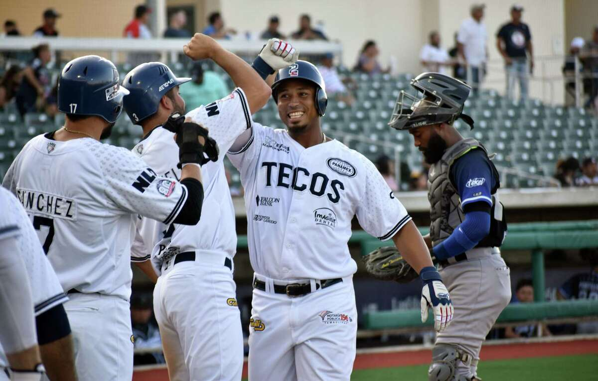 Moises Sierra had four RBIs as the Tecolotes Dos Laredos defeated the Generales de Durango Friday.