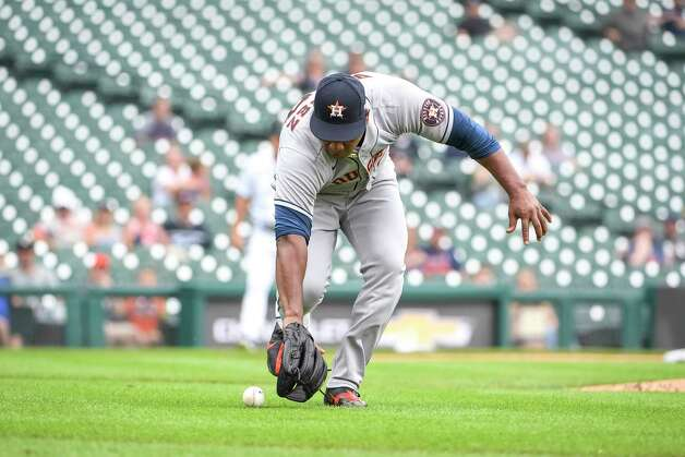 DETROIT, MICHIGAN - JUNE 26: Framber Valdez #59 of the Houston Astros picks up a bunted ball during the bottom of the fifth inning in game one of a doubleheader at Comerica Park on June 26, 2021 in Detroit, Michigan. Photo: Nic Antaya, Getty Images / 2021 Getty Images