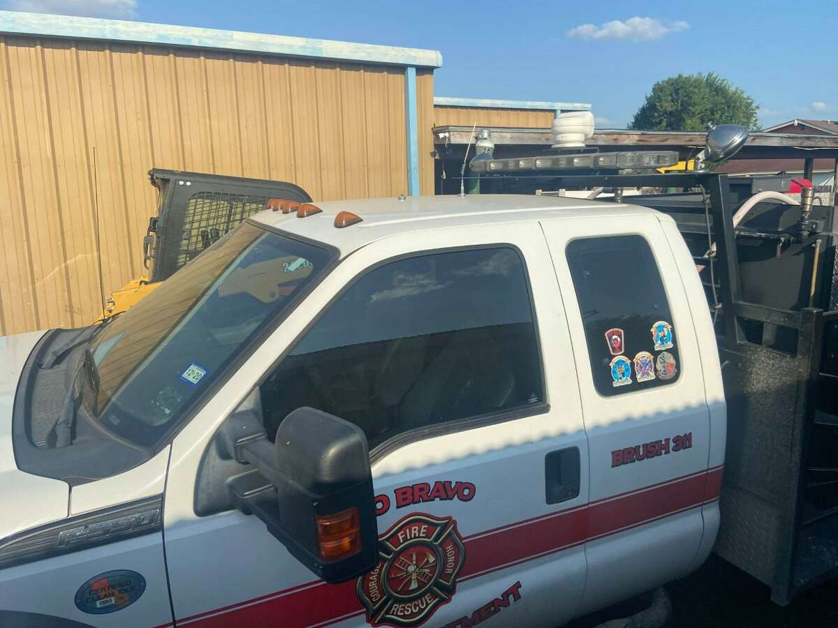 Shown is the 1986 Oshkosh AS32P19a Firefighting Truck received by the Rio Bravo Volunteer Fire Department this week by the Texas A&M Forest Service.
