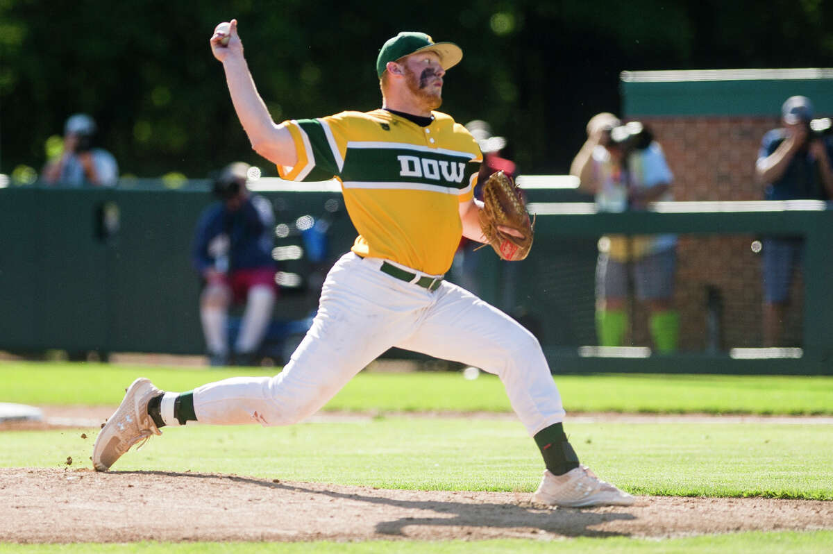 Dow High's Caleb Brenske delivers a pitch during a June 17, 2021 state semifinal against Portage Central.