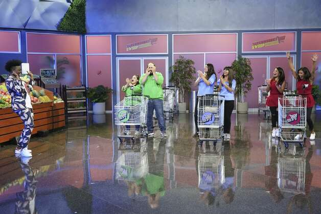 Supermarket Sweep (Season 1) Available on Netflix July 1 Photo: Eric McCandless/ABC Via Getty Images / 2020 American Broadcasting Companies, Inc.