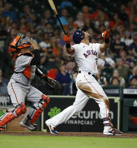Houston Astros left fielder Michael Brantley (23) pops out with the bases loaded during the fourth inning of an MLB baseball game at Minute Maid Park, Monday, June 28, 2021, in Houston. Photo: Karen Warren/Staff Photographer / @2021 Houston Chronicle