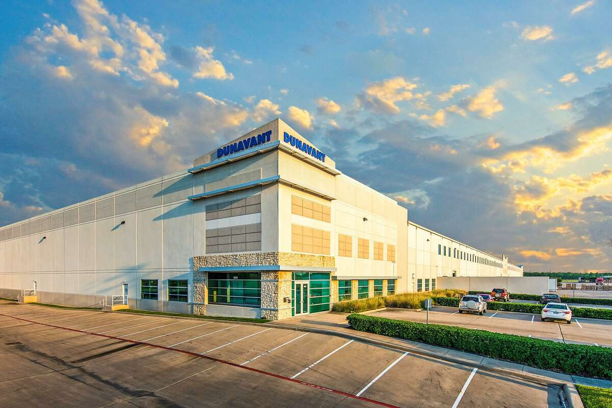 Dunavant, a logistics and supply chain management company based in Memphis, has renewed its lease for 212,000 square feet of chemical warehousing space at Pasadena's Bay Area Business Park.