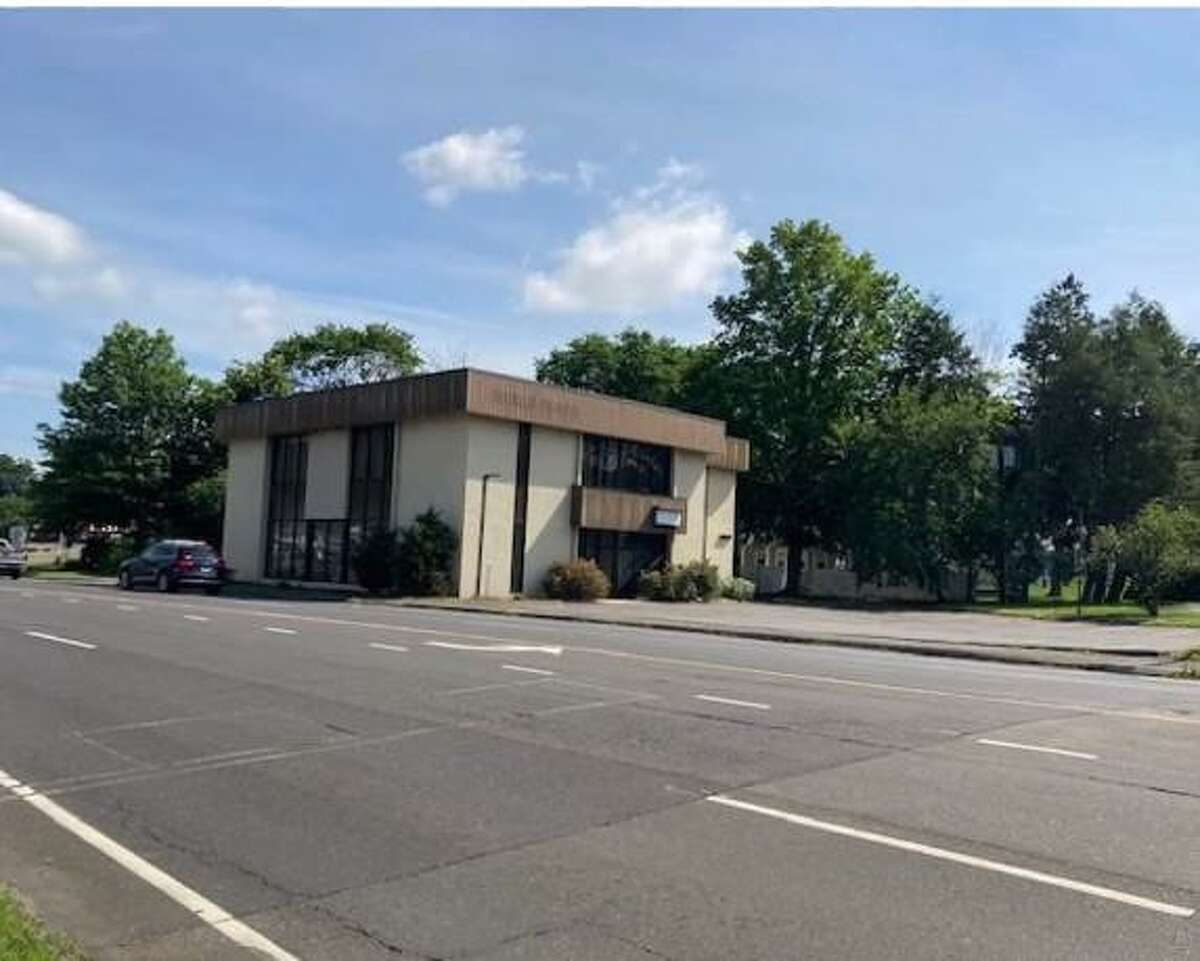 A new brewpub has been proposed at 4 Danbury Road, the site of a former Wells Fargo branch. The site borders Wilton and Norwalk.