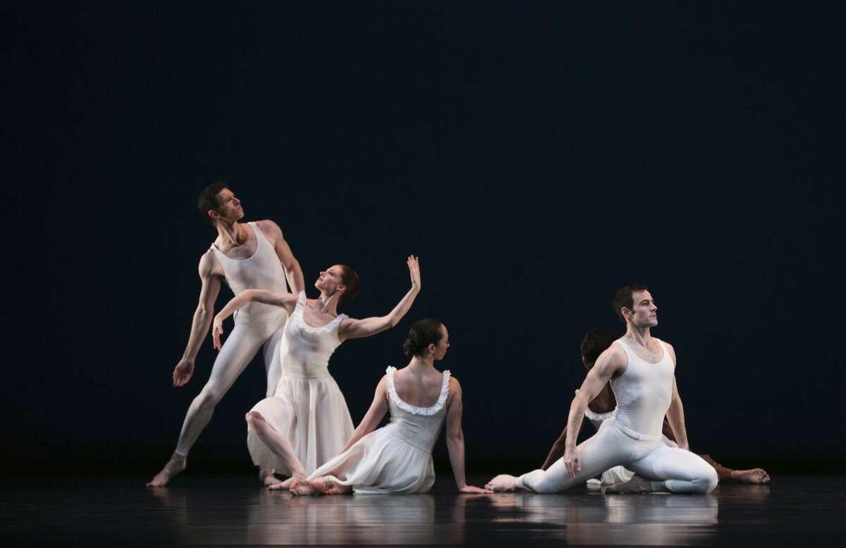 "Sean Mahoney, Heather McGinley, Christina Lynch Markham, Michelle Fleet and Robert Kleinendorst in Paul Taylor Dance Company's ""Aureole."" (credit: Whitney Browne)"