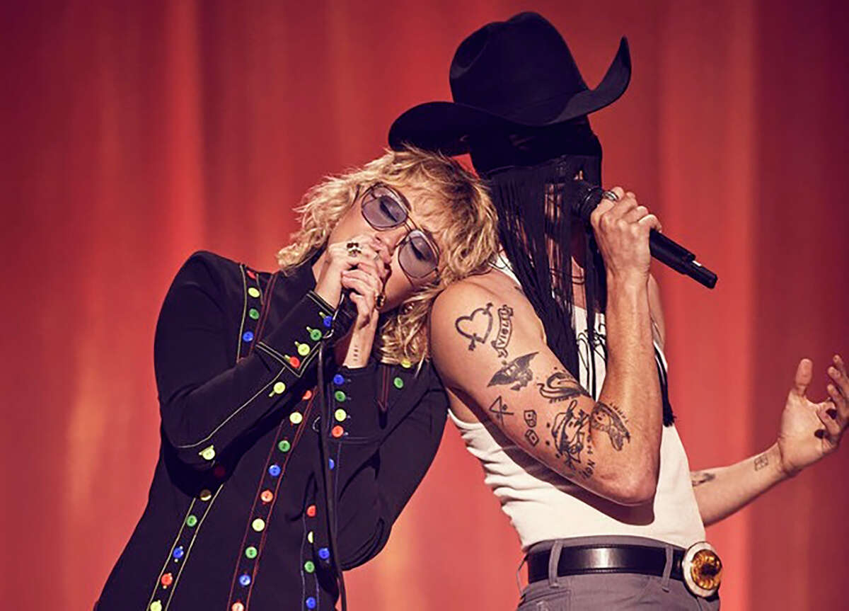 """Miley Cyrus performs with Orville Peck for her """"Miley Cyrus Presents Stand by You"""" concert special."""