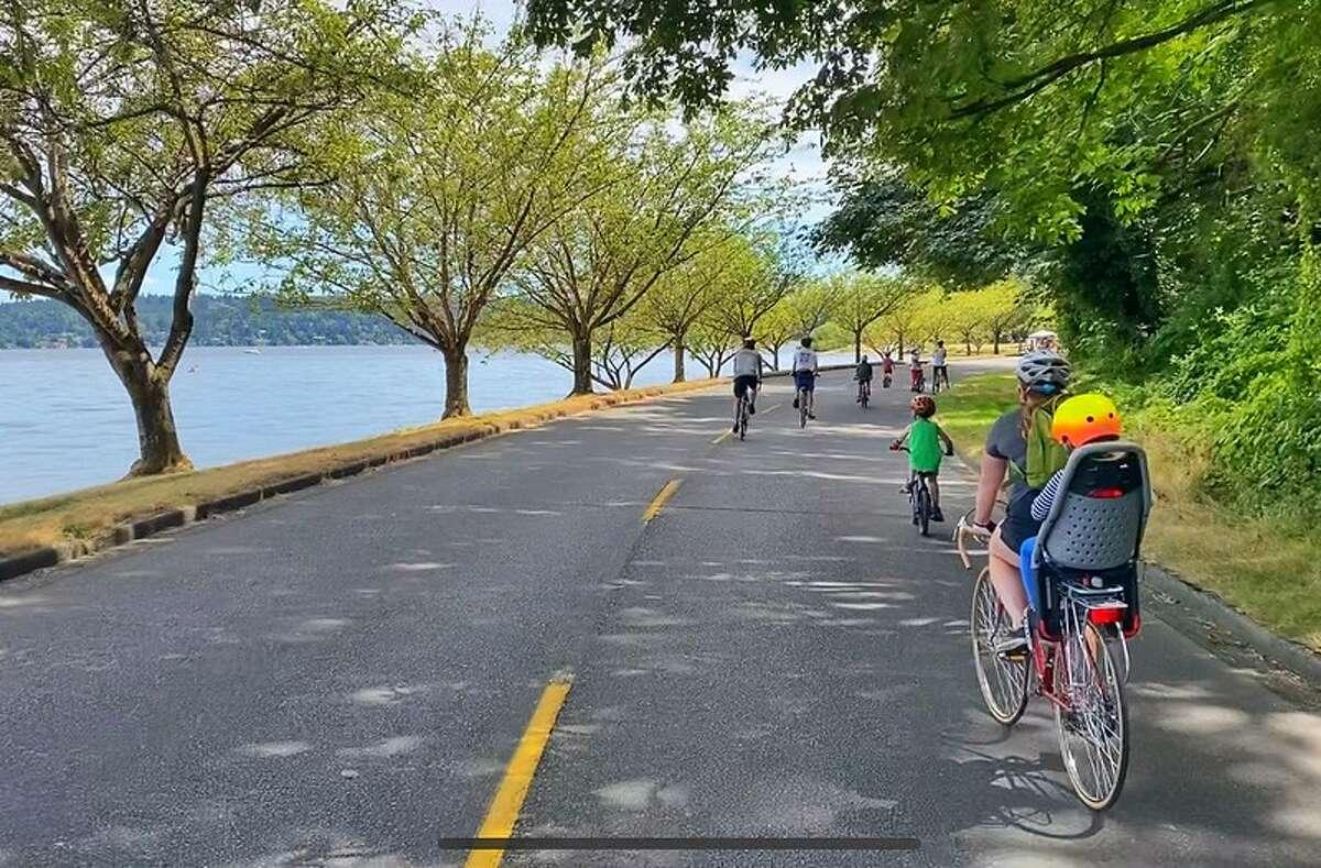 Bikers on Lake Washington Boulevard.