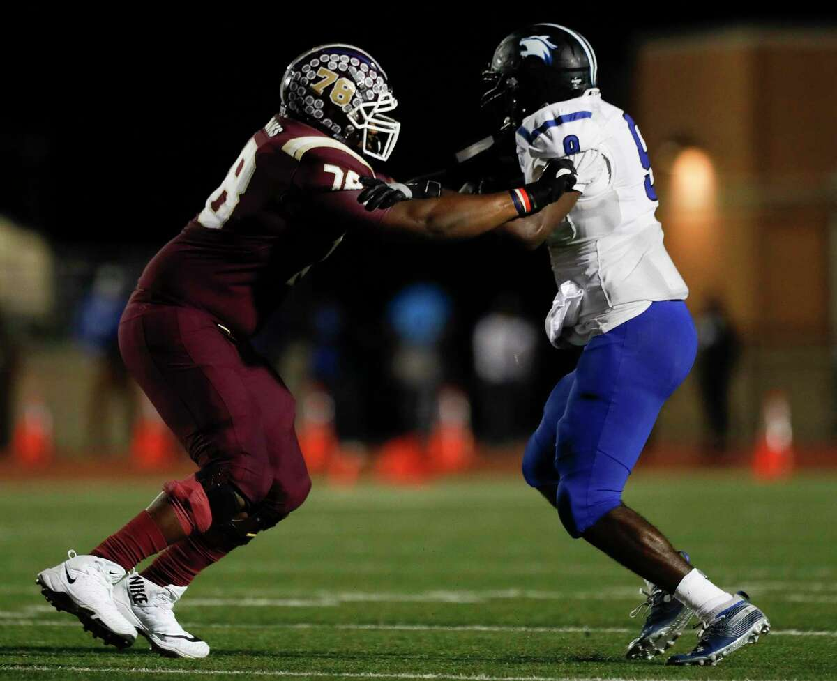 Summer Creek offensive linemen Kelvin Banks (78) defends during the first quarter of a non-district high school football game at Turner Stadium, Saturday, Oct. 3, 2020, in Humble.