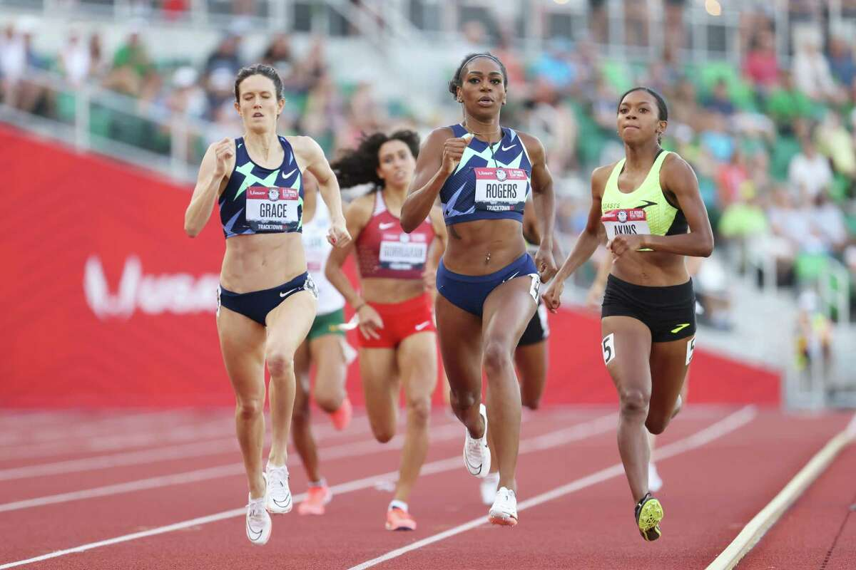 EUGENE, OREGON - JUNE 24: Kate Grace, Raevyn Rogers, Nia Akins compete in the first round of the Women's 800 Meter Run on day seven of the 2020 U.S. Olympic Track & Field Team Trials at Hayward Field on June 24, 2021 in Eugene, Oregon. (Photo by Andy Lyons/Getty Images)