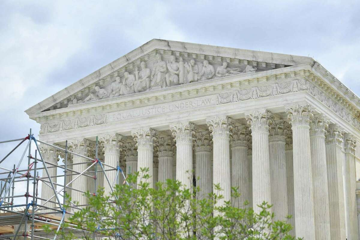 The U.S. Supreme Court on Thursday struck down a California law that requires thousands of charitable organizations to disclose the names of their major donors to state anti-fraud regulators.