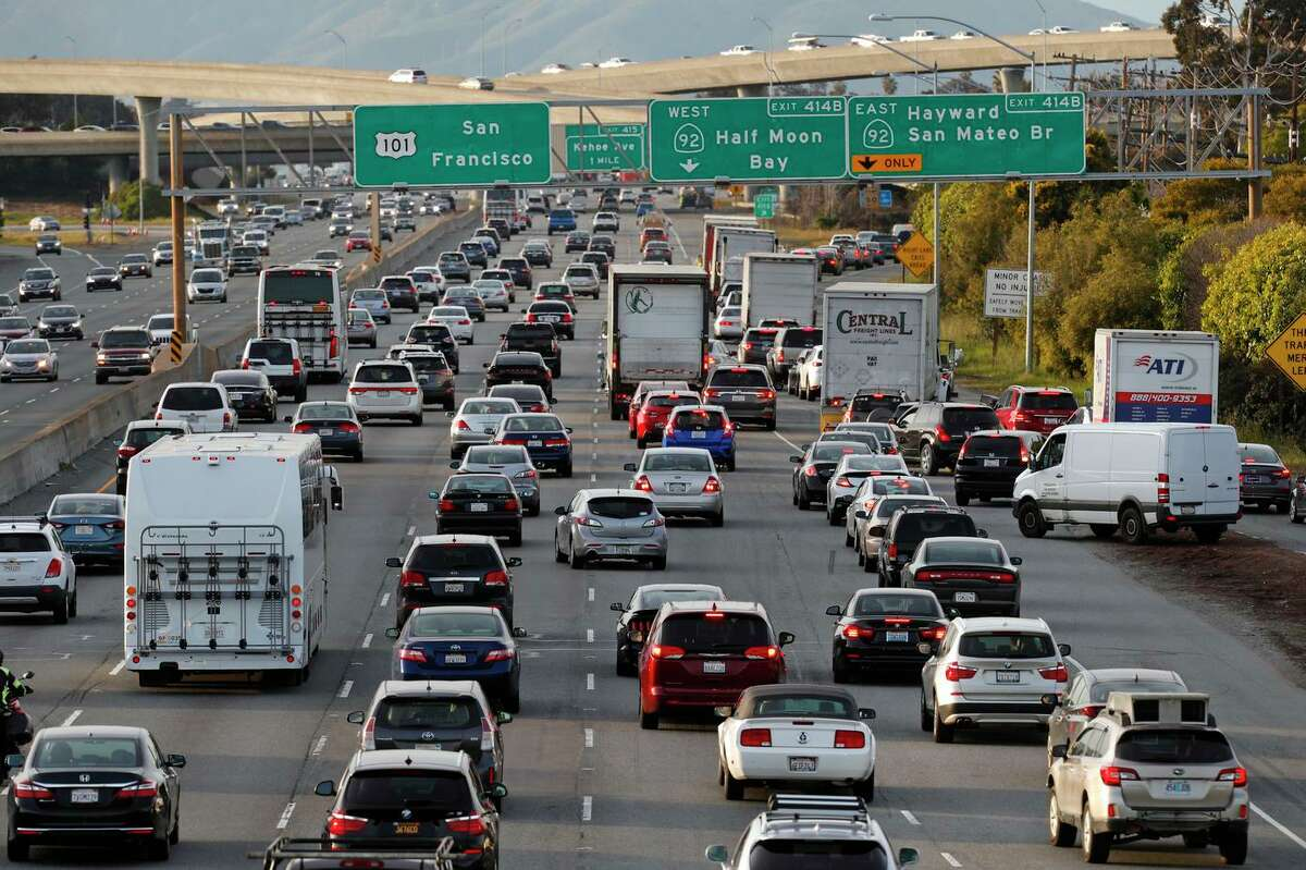 The evening commute along U.S. 101 north bound (right) at the highway 92 interchange in Redwood City, Calif., on Tues. Mar. 6, 2018.