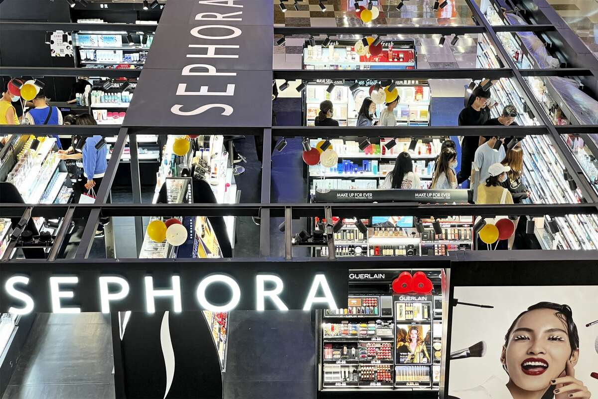 This Sephora sale runs July 2-5. Stock up on your favorite brands 30- 50% off.