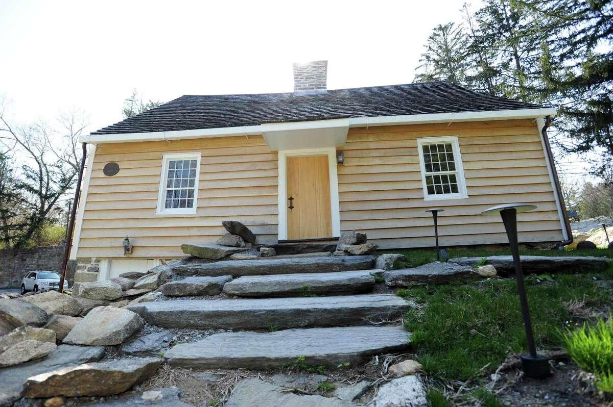The Hoyt-Barnum House.