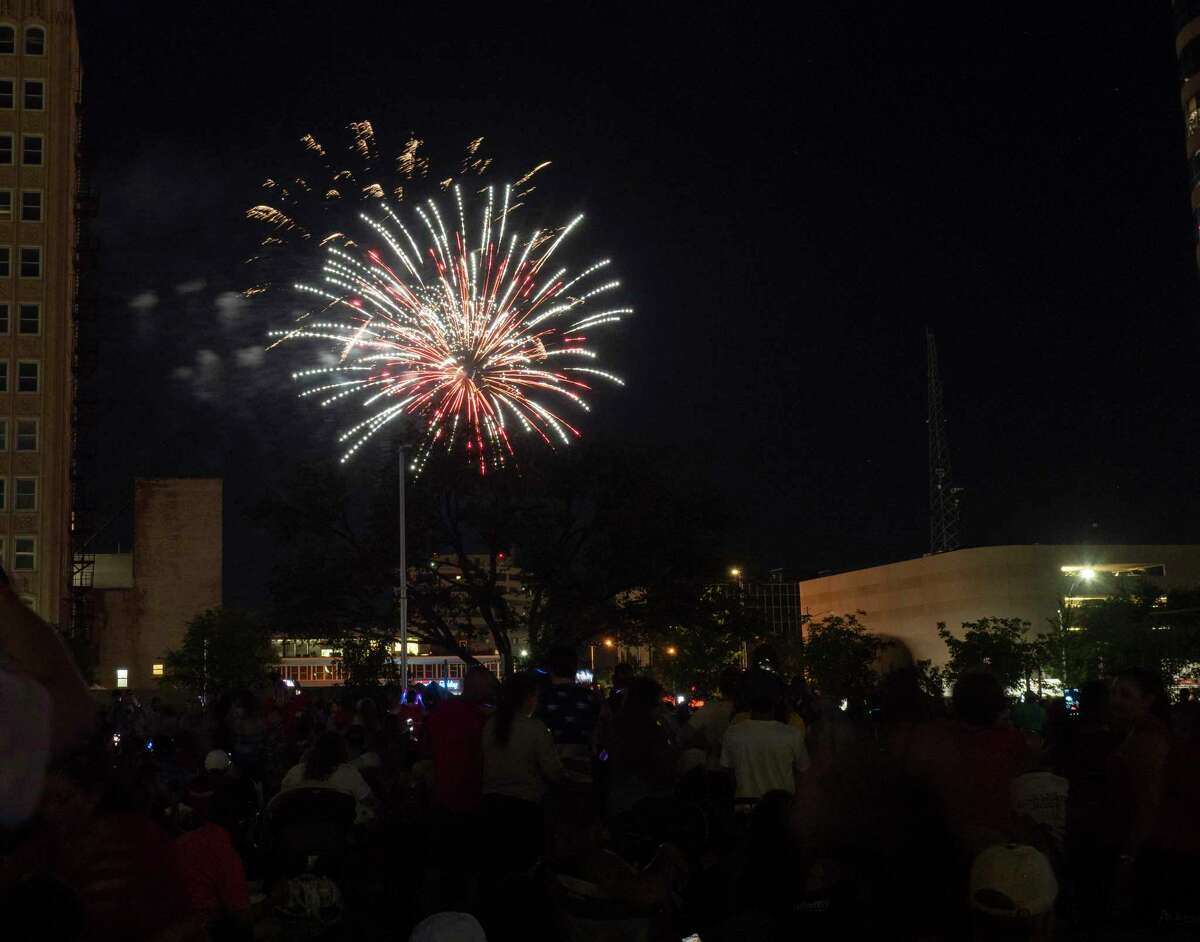 Fireworks light up the night sky in downtown Midland 07/03/2021 at the 2021 Star-Spangled Salute in Centennial Park. Tim Fischer/Reporter-Telegram