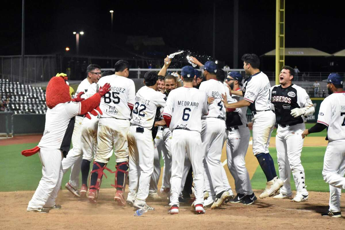 The Tecolotes Dos Laredos defeated the Acereros de Monclova in extra innings on Saturday.