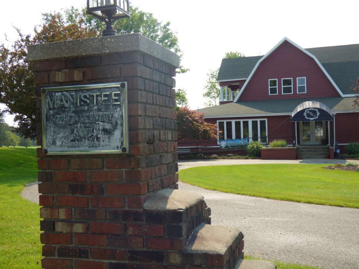 Manistee Golf and Country Club celebrated the 120th anniversary of its founding this weekend.