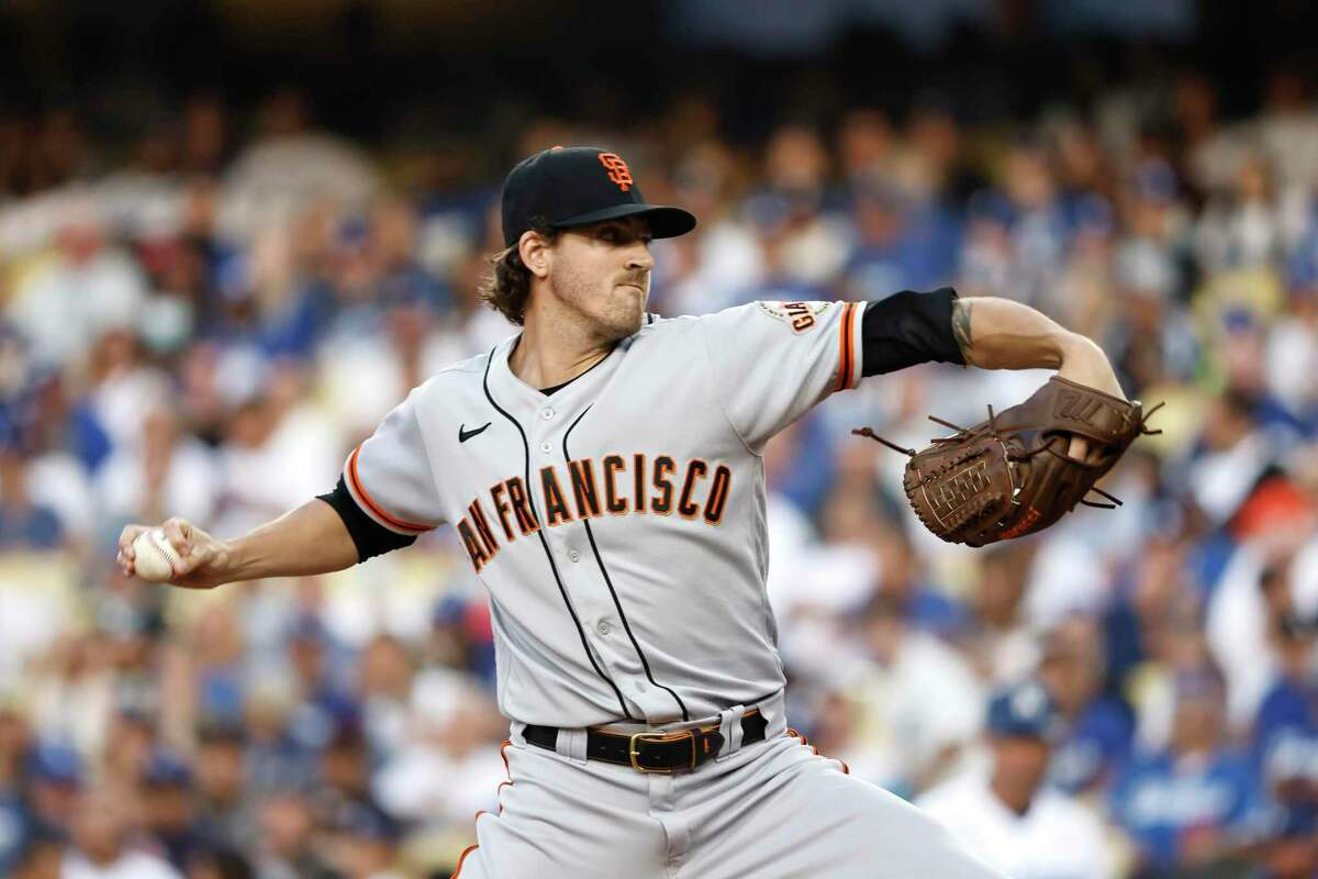 LOS ANGELES, CALIFORNIA - JUNE 29: Kevin Gausman #34 of the San Francisco Giants pitches against the Los Angeles Dodgers during the first inning at Dodger Stadium on June 29, 2021 in Los Angeles, California. (Photo by Michael Owens/Getty Images)